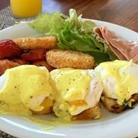ビュッフェの朝食のお気に入りはエッグベネディクト。本当においしくて、毎日でもいいくらいです 2018年 アフラシアバンク・モーリシャスオープン 事前 エッグベネディクト