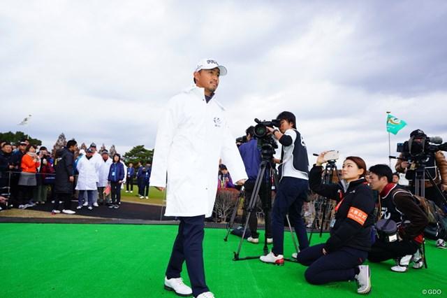 2017年 ゴルフ日本シリーズJTカップ 初日 小平智 開会式に登場する目下賞金ランキング1位の小平プロ。