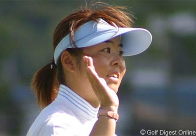 2006年 ゴルフ5レディスプロゴルフトーナメント 初日 不動裕理 海外ではゴルフ以外の楽しみもあったという不動。リフレッシュ効果で首位スタートだ