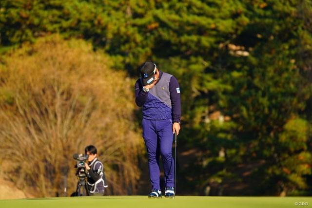 2017年 ゴルフ日本シリーズJTカップ 最終日 宮里優作 ウィニングパットを沈めると、涙があふれた