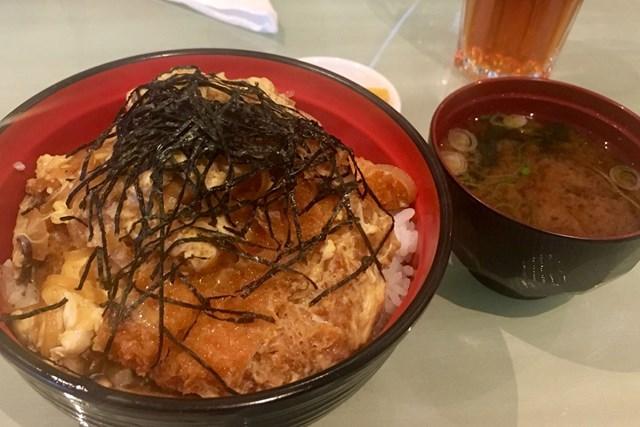 南アでカツ丼! 日本食レストランにいってきました