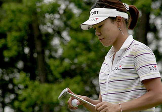 2006年 We Love KOBEサントリーレディスオープンゴルフトーナメント 3日目 大山志保 アマチュアの選手には4日間戦うのは厳しいという大山。最終日は4日間競技3連勝を目指す