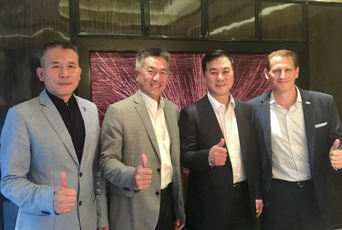(左から)CGAのパン・ツェン副事務局長、アジアンツアーのジミー・マスリンチェアマン、 CGAのジャン・シャオニンチェア... 2017年 CGAとアジアンツアー