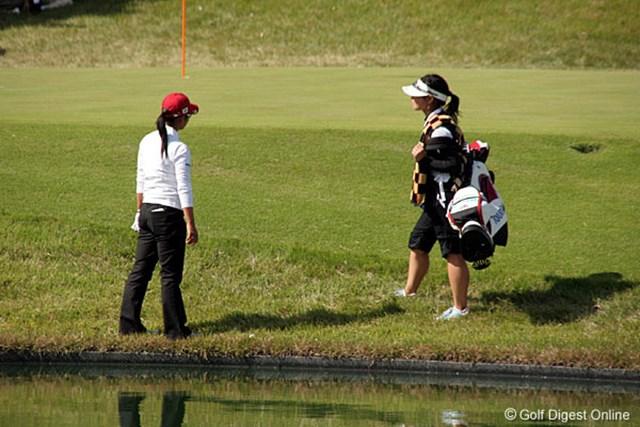 2006年 ミヤギテレビ杯ダンロップ女子オープンゴルフトーナメント 最終日 宮里藍 15番パー3、ティショットは池に落ちる寸前で止まり、このホールはボギーで凌いだ