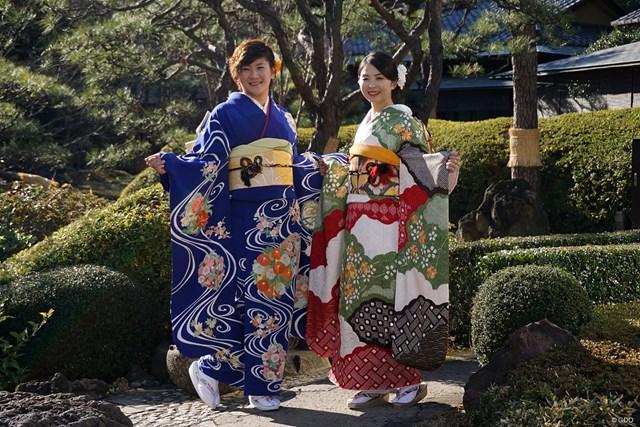 着物に身を包んだ成田美寿々と菊地絵理香