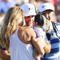 妻ギャビーさんと息子のジャクソン君。昨年の出来事を思い、目頭を熱くした 2018年 ウェイストマネジメント フェニックスオープン 最終日 ゲーリー・ウッドランド