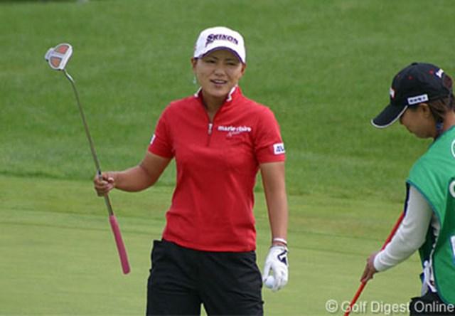 2006年 ゴルフ5レディスプロゴルフトーナメント 2日目 横峯さくら この日は4つのパー5ですべてバーディを奪った横峯。不動との最終組直接対決に注目だ