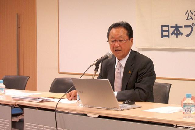 現職の倉本昌弘氏は続投の意欲を口にした(※撮影は1月の理事会)