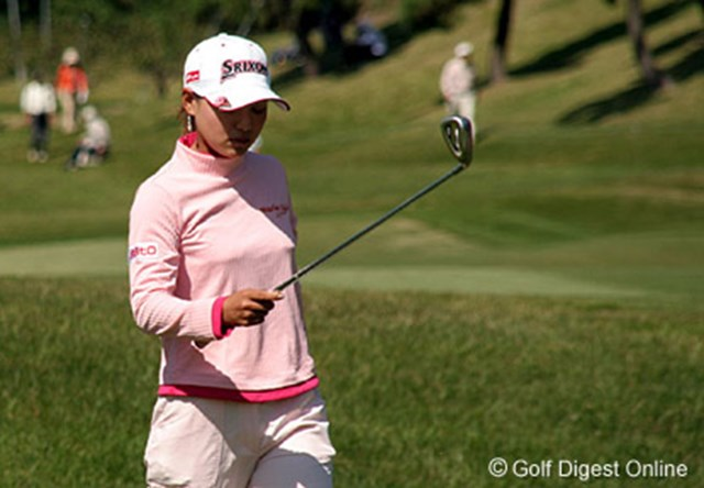 2006年 ミヤギテレビ杯ダンロップ女子オープンゴルフトーナメント 最終日 横峯さくら 思ったようなショットが打てず、表情も暗い横峯さくら。来週こそは・・・