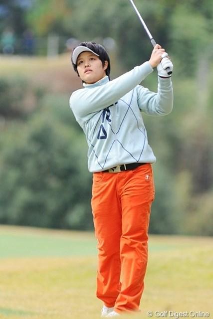 16歳のアマチュアながら、バーディ合戦に食らい付く2位の野村敏京