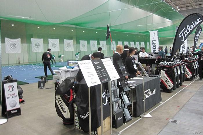 会場横にある試打ブース。打つところからネットまで13mあり飛球を確認することができる ジャパンゴルフフェア2018