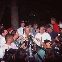 1996年のマスターズ。ノーマンは悲劇のヒーローとして世界中のメディアの質問に答えた(David Cannon/ALLSPORT via Getty Images) 1996年 マスターズ 最終日 グレッグ・ノーマン