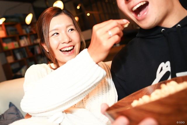 """藤田光里が妄想する""""至福のおうちデート""""を実現してみた ねぇねぇ、ポップコーン食べたいでしょ?"""