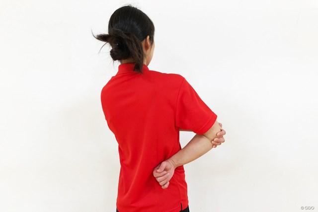 <ゴルフと筋肉>肩まわりのストレッチ 後ろから見るとこのようなイメージ
