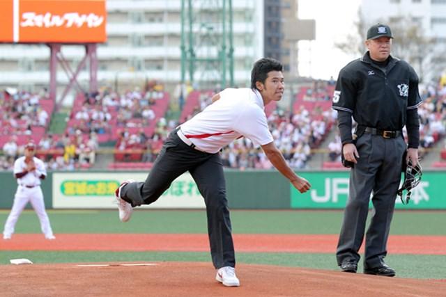 松山英樹は東日本大震災後の2011年に始球式を行った(C)RAKUTEN EAGLES