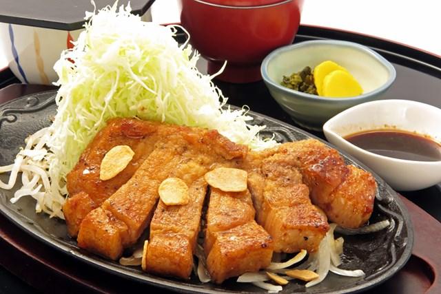 スタッフ一丸となって生まれた「群馬県産豚ロースのトンテキ(200g)」/¥1,630(税込)