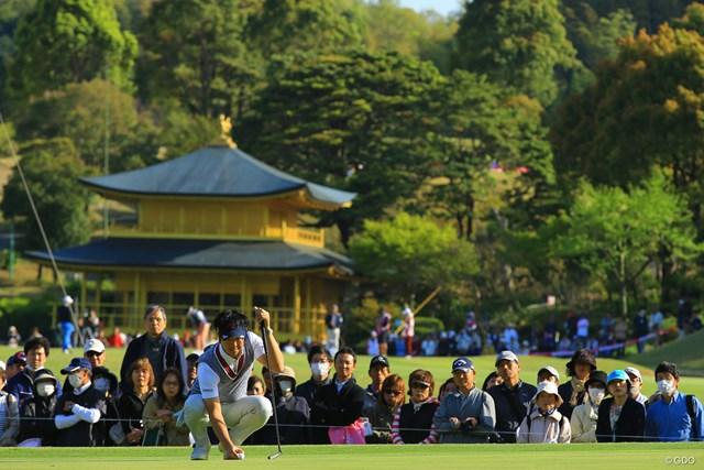 なかなかこんな背景でゴルフが撮れるゴルフ場もあるまい。