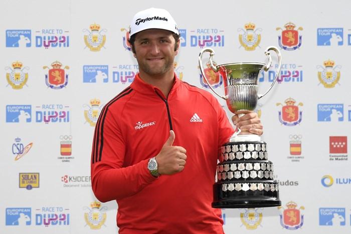 欧州ツアー3勝目を挙げたジョン・ラーム(Ross Kinnaird/Getty Images) 2018年 スペインオープン 最終日 ジョン・ラーム