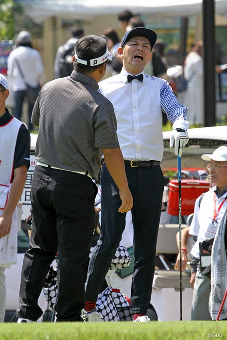 初出場の岡田圭右さん。周囲はお笑いムードに一変 ザ・レジェンド・チャリティプロアマトーナメント 初日 岡田圭右さん