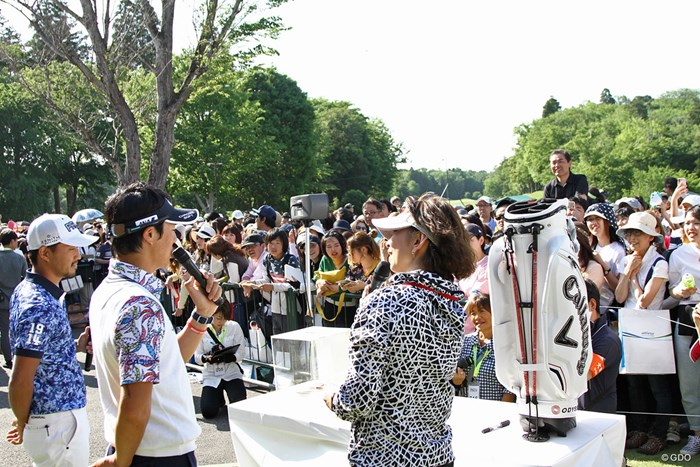 チャリティオークションに多くのファンが集結 ザ・レジェンド・チャリティプロアマトーナメント 初日 小平智&石川遼