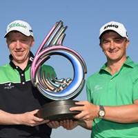P.ダンとG.モイニハンが組むアイルランドが優勝を飾った(Ross Kinnaird/Getty Images) 2018年 ゴルフシックス 最終日 アイルランドチーム