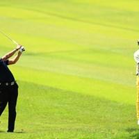 片山選手も彼のゴルフに興味が沸いたかな 2018年 関西オープンゴルフ選手権競技 3日目 @久保田皓也
