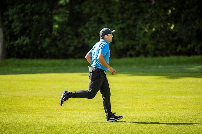 首位に並んだフランチェスコ・モリナリ(David Kissman/Action Plus via Getty Images) 2018年 BMW PGA選手権 3日目 フランチェスコ・モリナリ