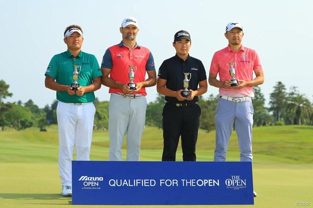 全英オープン出場を決めた左から秋吉翔太、マイケル・ヘンドリー、川村昌弘、小林正則