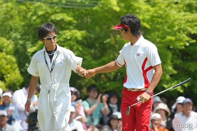 2010年 中日クラウンズ 最終日 石川遼 バンカーから1mにつけてこの日最後となる12個目のバーディ奪取!