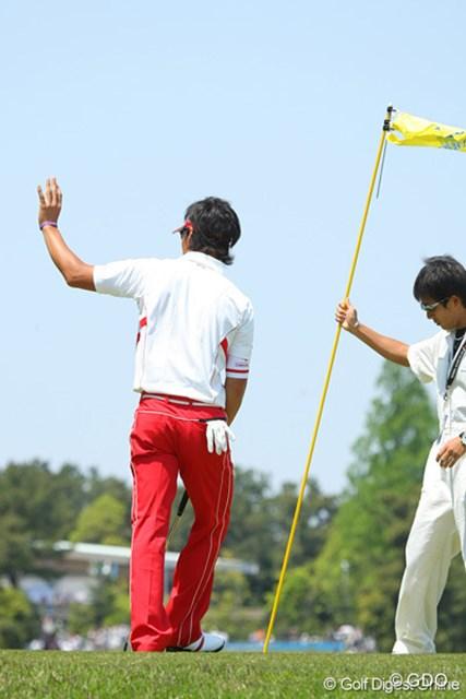 2010年 中日クラウンズ 最終日 石川遼 3連続でのバーディ奪取!ギャラリーの声援に応える