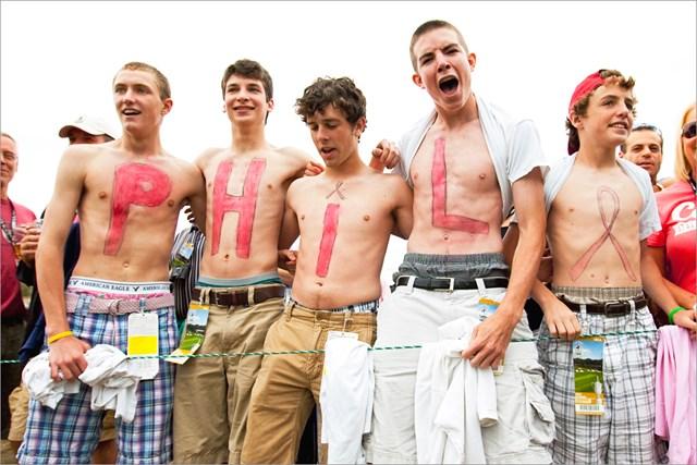 フィル・ミケルソンのファンの集団。2009年、ベスページ・ブラックでの「全米オープン」で(GETTY IMAGES INC/米ゴルフダイジェスト誌)