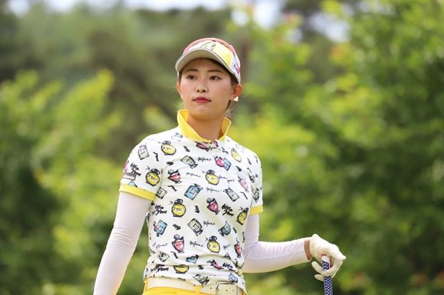 首位に浮上した川崎志穂(提供:日本女子プロゴルフ協会)