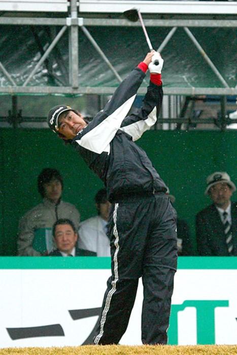 今大会初出場の富田雅哉が首位タイと絶好のスタートを切った 2009年 ゴルフ日本シリーズJTカップ 初日 富田雅哉