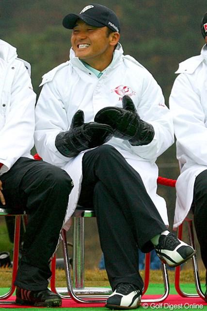 2009年 ゴルフ日本シリーズJTカップ 丸山茂樹 スタート前から明るい笑顔を振りまいていた丸山茂樹