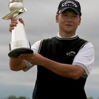 ツアー通算2勝目を飾った葉偉志 2006年 セガサミーカップゴルフトーナメント 最終日 葉偉志