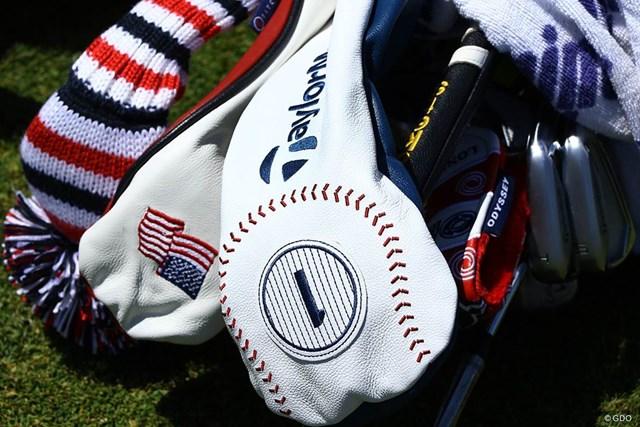 テーラーメイドは野球のボールをモチーフに選んだ