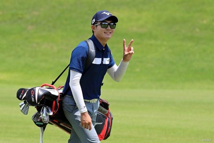 サングラスが似合ってる韓国のパク・ヒーソン 2018年 トヨタ ジュニアゴルフワールドカップSupported by JAL 3日目 パク・ヒーソン(韓国)