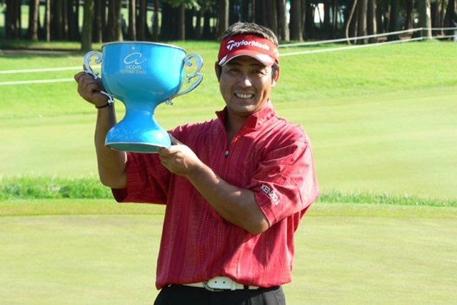 初日から首位を守りきり7年ぶりの優勝を果たした小山内護