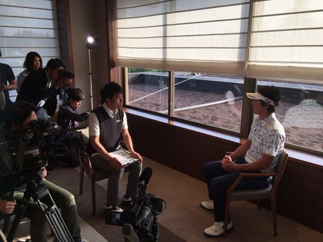 石川遼 福島の子供たちからの動画メッセージを観る石川遼