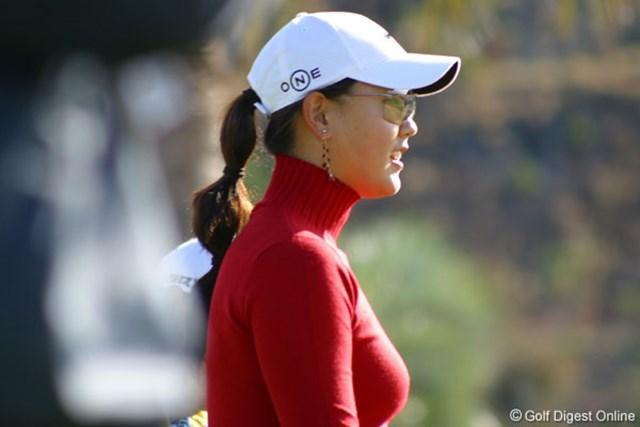 2006年 カシオワールドオープンゴルフトーナメント 2日目 ミッシェル・ウィ 1番スタート前にサングラスをかけたミッシェル・ウィ。この日は最後まで外さなかった