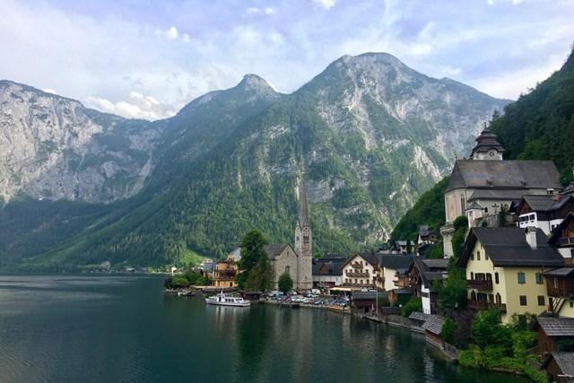 オーストリア・ハルシュタットの街並み。スマートフォンでこんなにキレイに撮影できます!