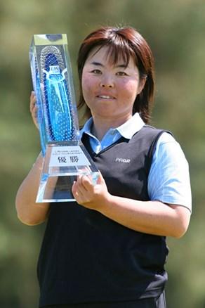 地元熊本で不動裕理が通算40勝目を飾り、早くも賞金ランク首位!横峯さくらは単独4位でフィニッシュ