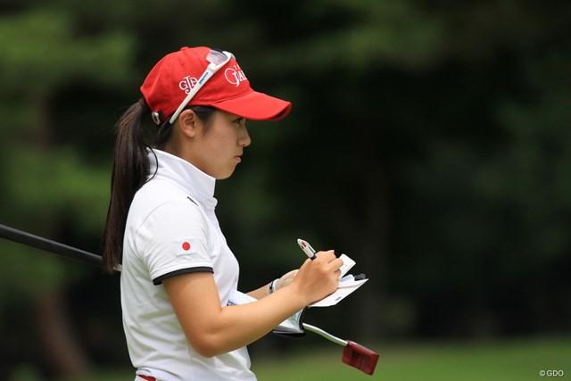 2018年 日本女子アマチュア選手権 西村優菜 ナショナルチームメンバーはみんな丹念にメモを取る