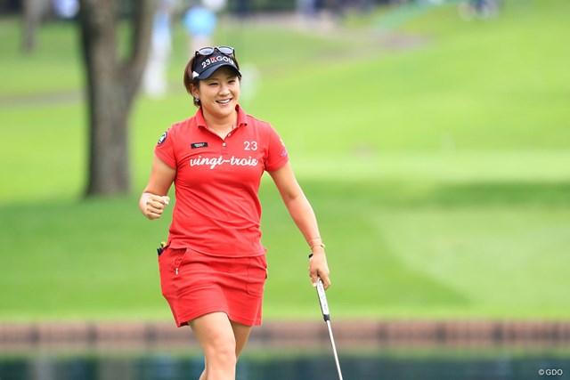 成田美寿々が3打差首位で決勝ラウンドへ