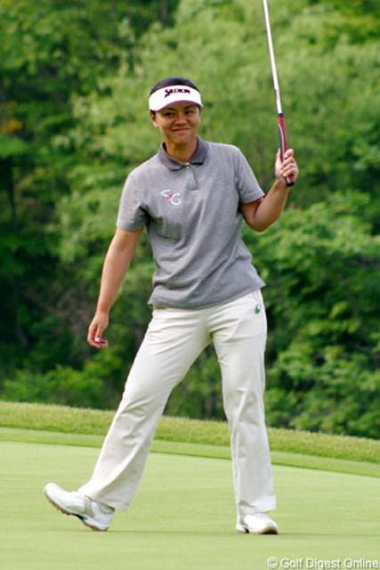 今季初優勝を挙げている好調の中田美枝が首位に立った