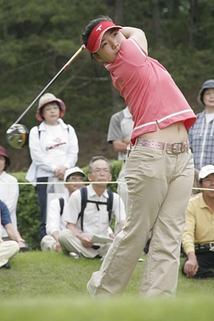 2006年 We Love KOBEサントリーレディスオープンゴルフトーナメント 初日 有村智恵 大会初日、単独トップに立った有村智恵