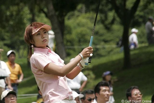 2006年 プロミスレディスゴルフトーナメント 2日目 藤田幸希 ショットもパットも良い調子の藤田幸希。初優勝に王手をかけた