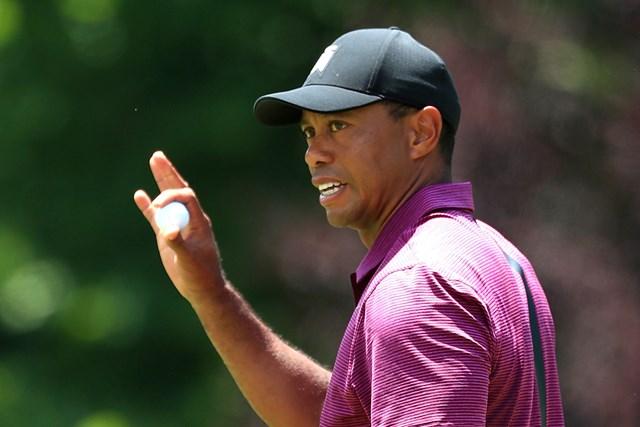 5アンダー「65」をマークしたウッズ。48位から11位に浮上して決勝ラウンドへ(Mike Lawrie/Getty Images)