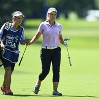 一昨年の覇者・B.ヘンダーソンが首位で決勝へ。キャディは姉のブリタニーが務める(Stacy Revere/Getty Images) 2018年 KPMG女子PGA選手権 2日目 ブルック・ヘンダーソン