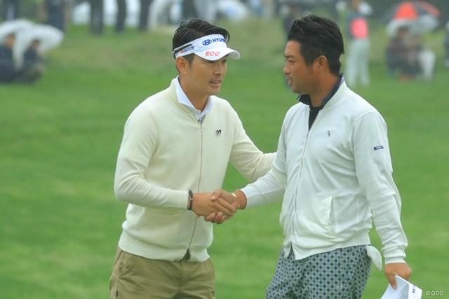 2018年 長嶋茂雄招待セガサミーカップ 3日目 キム・ヒョンソン(左) 優勝に王手をかけたキム・ヒョンソン(左)。最終日は久々にあのフレーズが聞けるか